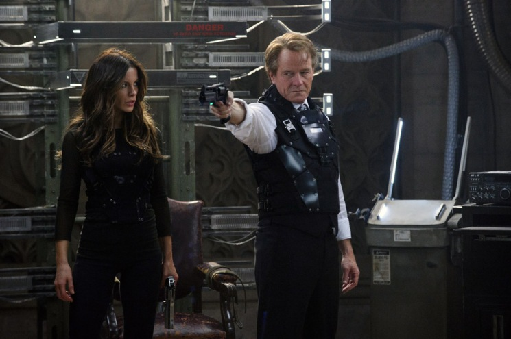 Kate Beckinsale and Bryan Cranston in Columbia Pictures' action thriller TOTAL RECALL.