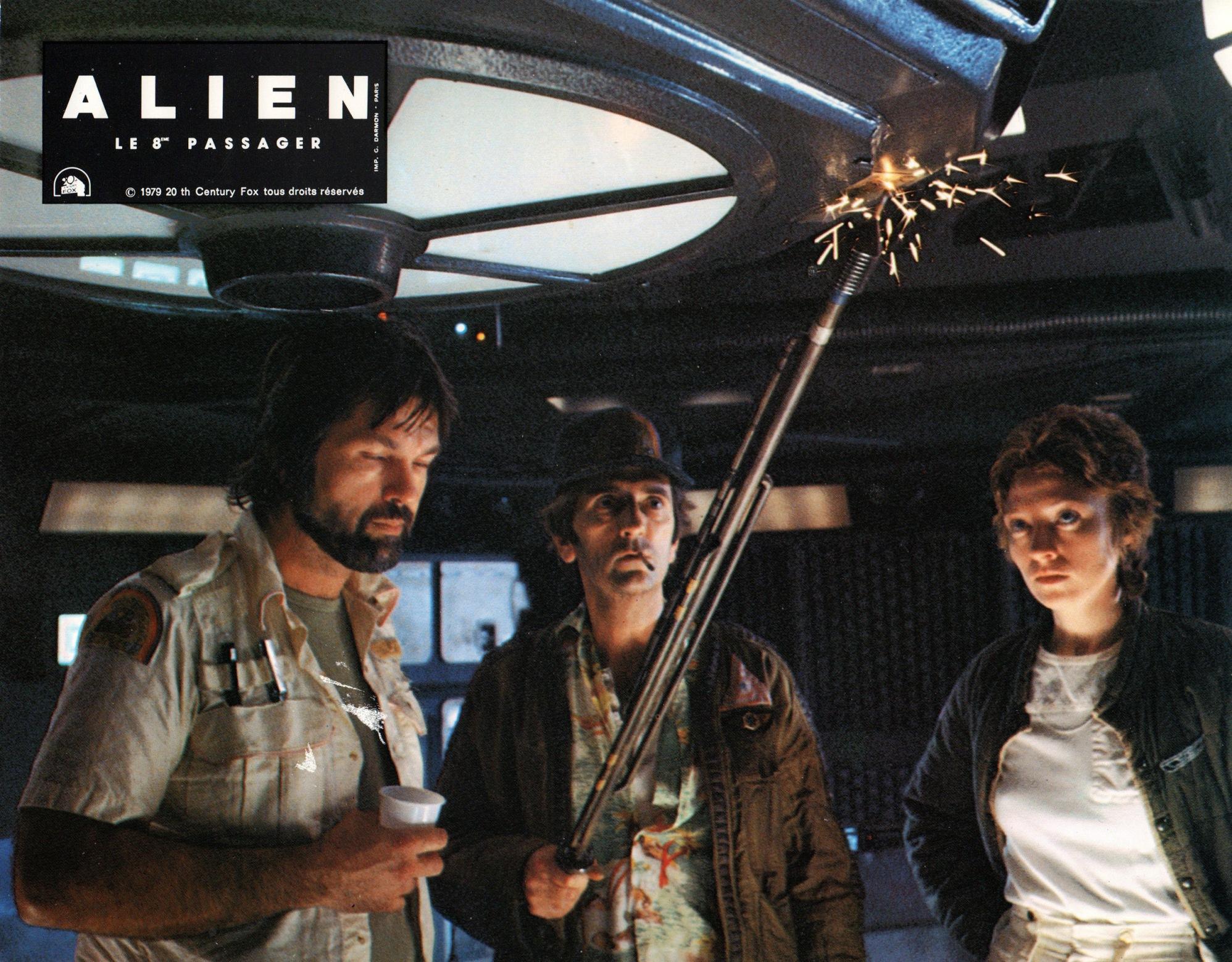 alien-france-08