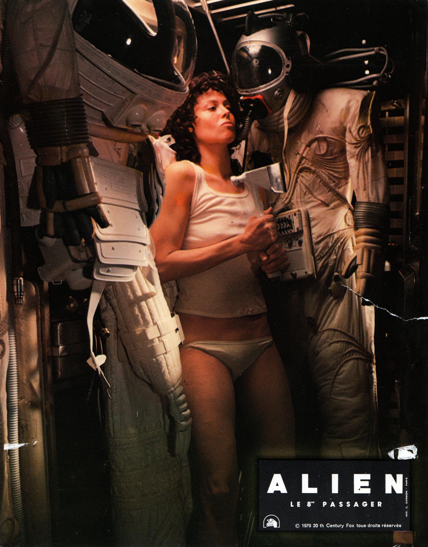 alien-france-18