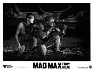 madmaxfuryroad-usa-06b
