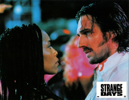 strangedays-france-1
